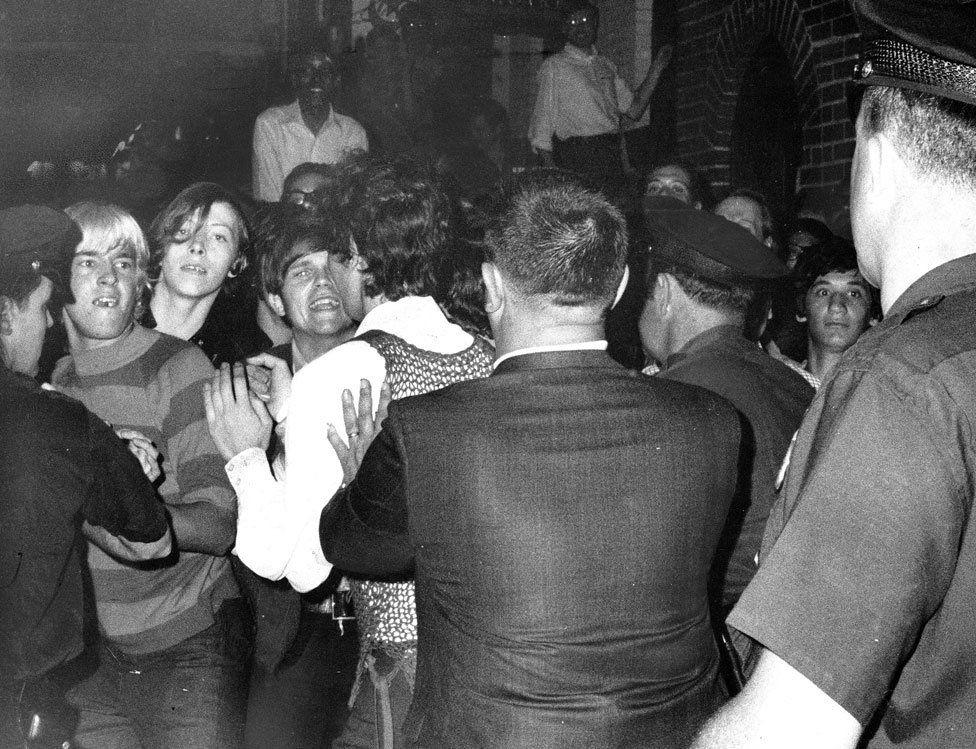 stonewall inn riot